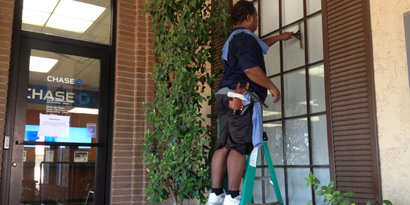 window-cleaning-phoenix-3